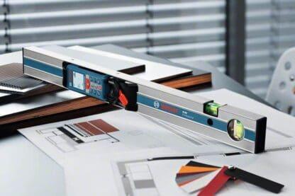 BOSCH digitalni laserski daljinomjer GLM 80 + R 60