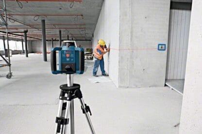 BOSCH građevinski laser GRL 300 HV + stativ+ kovčeg