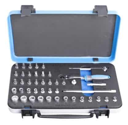 UNIOR set nasadnih ključeva i pribora 1/4″ u metalnoj kutiji